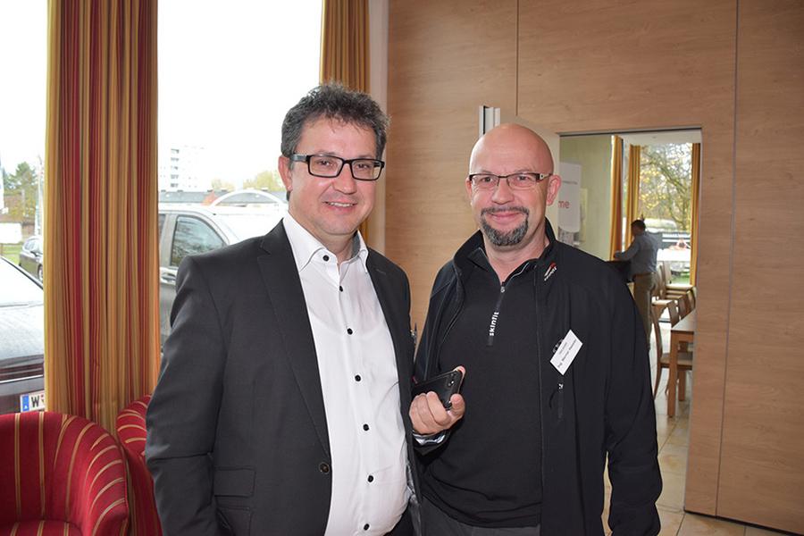 Michael Kremser (AVAYA GmbH) und Werner Hassler (Halo Electronic GmbH Lustenau); Foto: Arno Riedmann